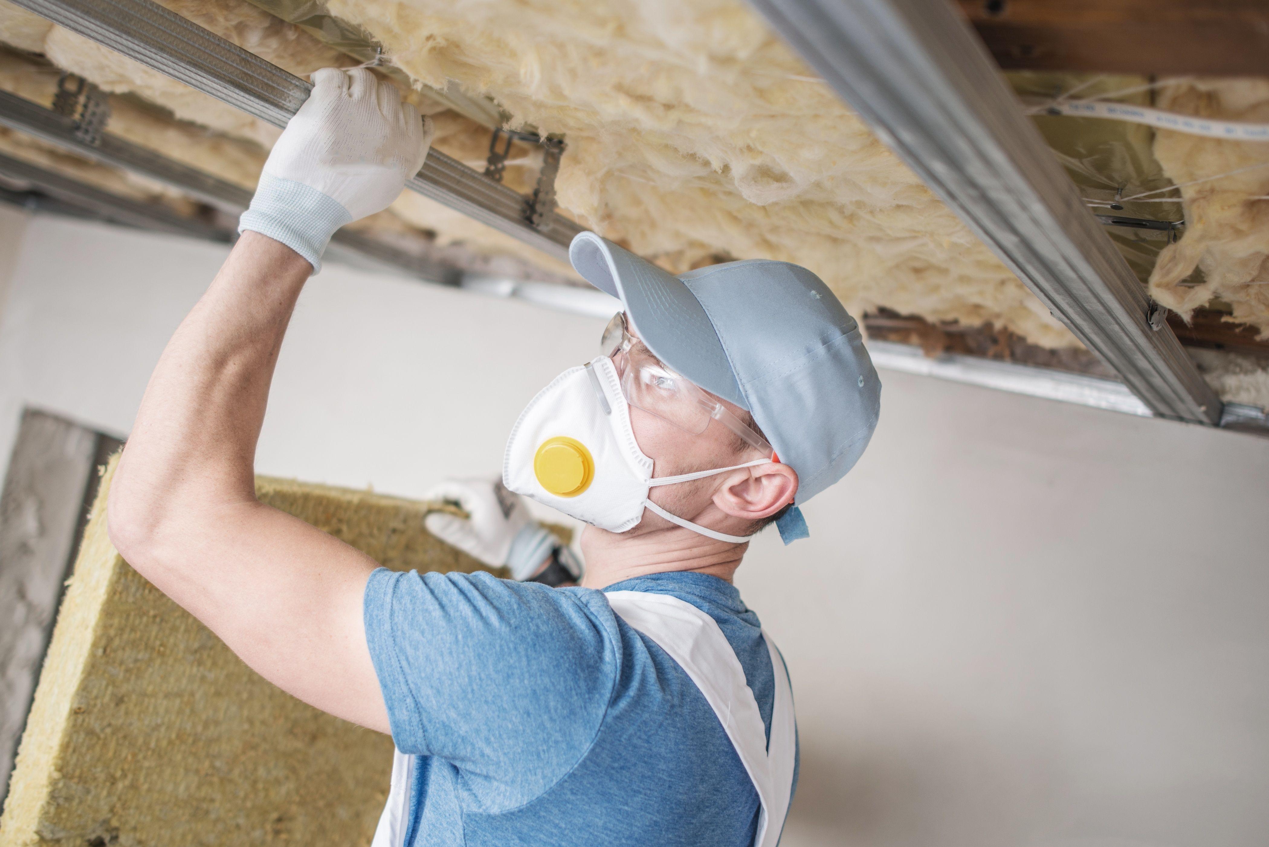 Plat dak isoleren van binnenuit